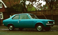 Hillman Avenger Saloon: a two-door version was offered from 1973. The absence of wrap-around turn indicators on the front corners identifies this as a pre-facelift Avenger.