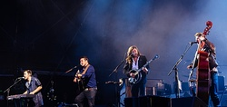 Mumford & Sons performing in 2015