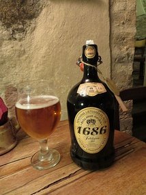 Traditional Lithuanian beer has an earthy and yeasty flavour, rich color of the clay or straw.