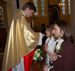 Holy Communion at a Nuptial Mass