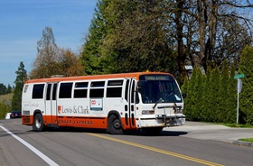 Pioneer Express bus 784 turning into Lewis & Clark campus (2016).jpg