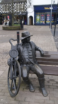 Statue of Blind Jack Metcalf in the market square