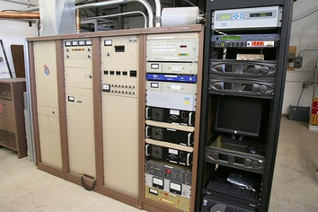 A commercial 35 kW FM radio transmitter built in the late 1980s.  It belongs to FM radio station KWNR in Las Vegas, Nevada, and broadcasts at a frequency of 95.5 MHz.