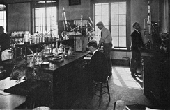 Chemists working at Caltech in 1923