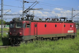 1971: First exports of electric locomotives begin, with the JŽ 461 locomotives being delivered to Yugoslavia, for use on the Belgrade-Bar rail line.