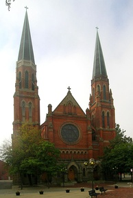 Ste. Anne de Détroit, founded in 1701 by French colonists, is the second-oldest continuously operating Catholic parish in the United States. The present church was completed in 1887.[14]