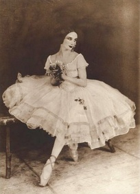 Anna Pavlova as Giselle (before 1931)