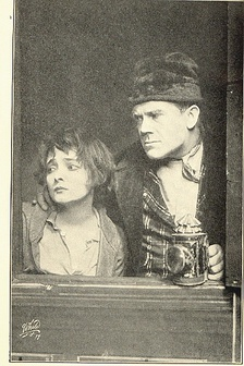 Harding with Marie Doro (left) in Oliver Twist at the New Amsterdam Theatre (1912)