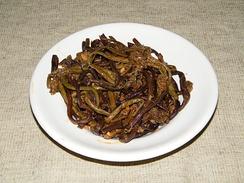Салат из маринованного папоротника-орляка