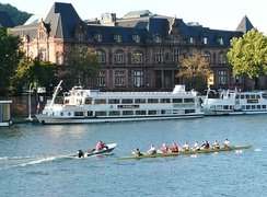 Students rowing on the Neckar river.