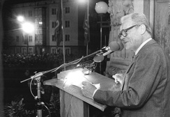 Willy Brandt giving a speech on 28 September 1990, two years before his death.