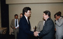 Bush greeting President Ronald Reagan in 1986