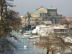 Semperoper during 2005 floods