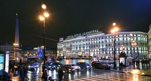 Площадь Восстания, вид на гостиницу «Октябрьская»