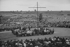 A memorial service in 1947 at the site of the destroyed Czech village of Lidice