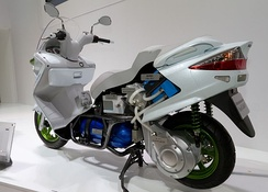 Cutaway model of the Burgman Fuel Cell Scooter at the 2011 Tokyo Motor Show