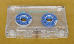 A head cleaning cassette