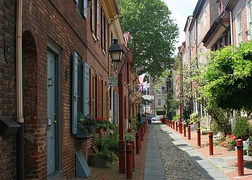 "Elfreth's Alley, ""Our nation's oldest residential street"", 1702–1836[79]"