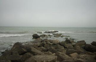 Скалистый берег Каспийского моря. Набрань