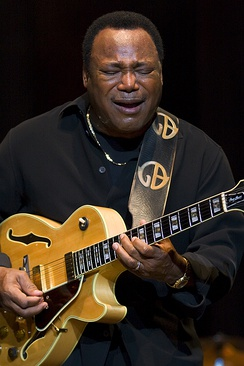 George Benson performing in Madrid, 2009