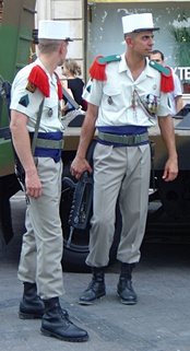 The cummerbund of the French Foreign Legion is blue.