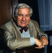 Peter Ustinov (pictured in 1986) starred as Hercule Poirot in Death on the Nile (1978)