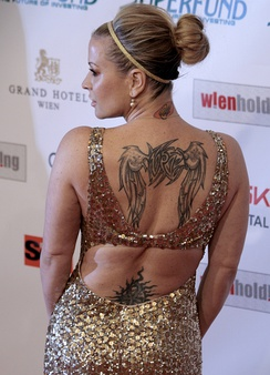 Anastacia has several tattoos