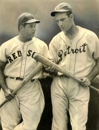 Jimmie Foxx (left) and Greenberg in 1938