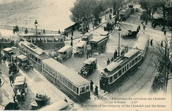 At its peak, the Paris tram system was the world's largest, with over 1,111 kilometres (690 mi) of track in 1925.