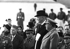 Francisco Franco and Dwight D. Eisenhower (Madrid 1959) in the context of the Cold War. Spain entered in United Nations in 1955.