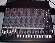 Mackie CR1604-VLZ mixing console in a home studio