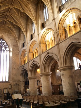 Malmesbury Abbey, England, has hollow core columns, probably filled with rubble. (Gothic vault)