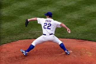 Prior pitching for the Cubs at Wrigley Field on July 30, 2004