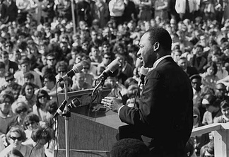 King speaking to an anti-Vietnam war rally at the University of Minnesota in St. Paul, April 27, 1967