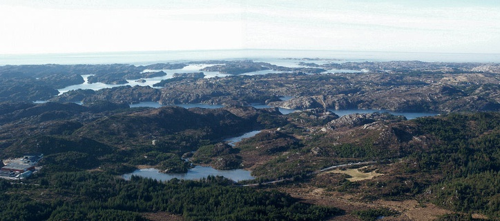 Panorama over the island of Sotra.