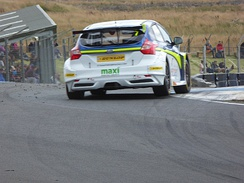 Jelley driving the Team Parker Racing Ford Focus ST at Knockhill during the 2017 British Touring Car Championship season.