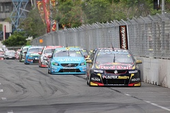 Whincup leads the field at the 2014 Sydney NRMA 500.