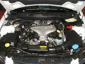 Alloytec V6 (LPG) engine of a 2006-2008 Holden VE Commodore 1.jpg