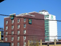 Quality Inn, built in 2009, beside a Holiday Inn in Long Island City, Queens, New York City