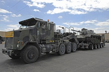 The Oshkosh M1070 HET is unusual in that while an 8x8 it has a single driven front axle, and a driven rear tridem