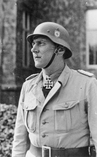 Skorzeny as commander of the Waffen Sonderverband z.b.V. Friedenthal special forces unit, 1943