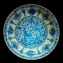 Plate with dragon. Persia, 17th century, inspired by 15th-century Chinese blue and white porcelain