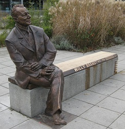 Willy-Brandt-Memorial in Nuremberg by the artist Josef Tabachnyk, 2009