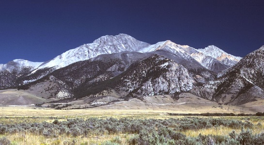 Borah Peak is the highest summit of the Lost River Range and Idaho.