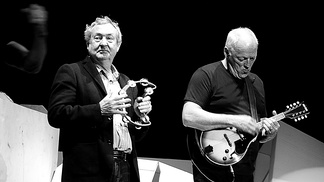 Gilmour with drummer Nick Mason (left) at The O2, London, during The Wall Live, 12 May 2011.