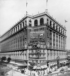 Macy's in Herald Square in 1907
