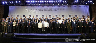 President Rodrigo Duterte pose for a photo with ADB President Takehiko Nakao and other officials of ADB during the 51st ADB Annual Meeting in Ortigas Center, Mandaluyong City, Philippines on May 5, 2018.