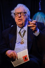 Ray Bradbury wearing the Commander's badge in 2009
