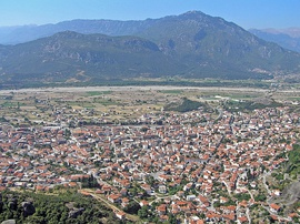 The town of Kalabaka as seen from Meteora.