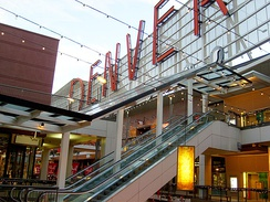 Denver Pavilions is a popular arts, entertainment, and shopping center on the 16th Street Mall in downtown Denver.